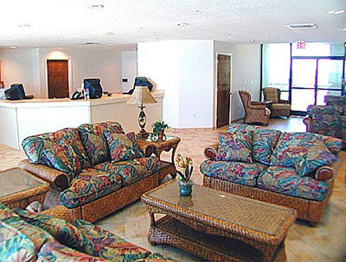 Phoenix All Suites lobby